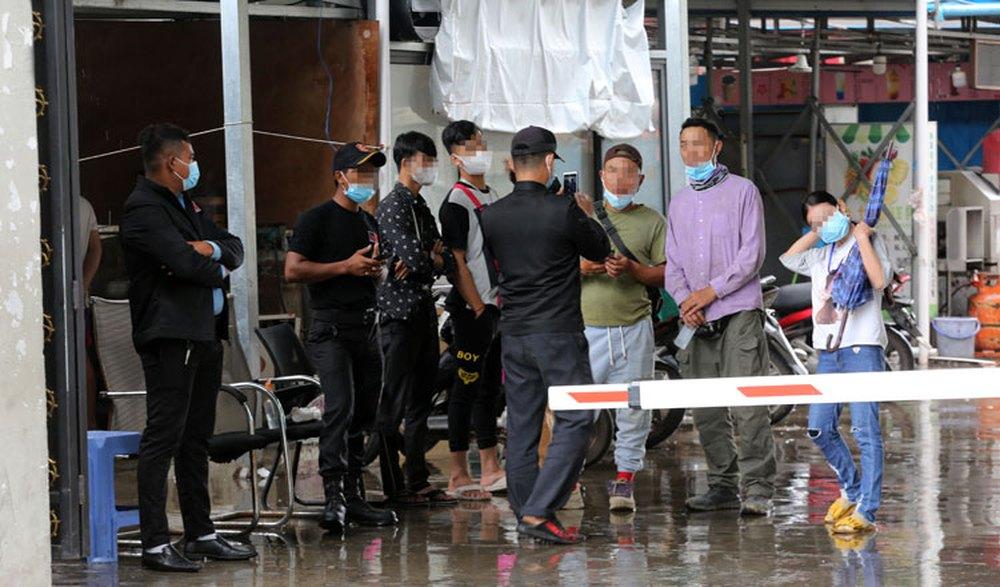 Không chỉ có 1 Dự án Trung Quốc ở Campuchia: Cô búp bê mắt tím bầm và những tiếng hét xé toạc màn đêm - Ảnh 2.