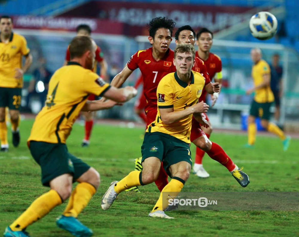 Báo Hàn Quốc: Bức tường Australia quá cao với tuyển Việt Nam - Ảnh 2.