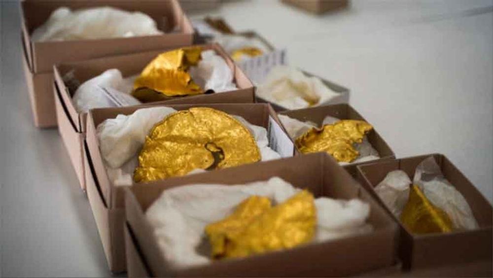 Dò kim loại, phát hiện kho báu đầy vàng lớn nhất đất nước - Ảnh 1.