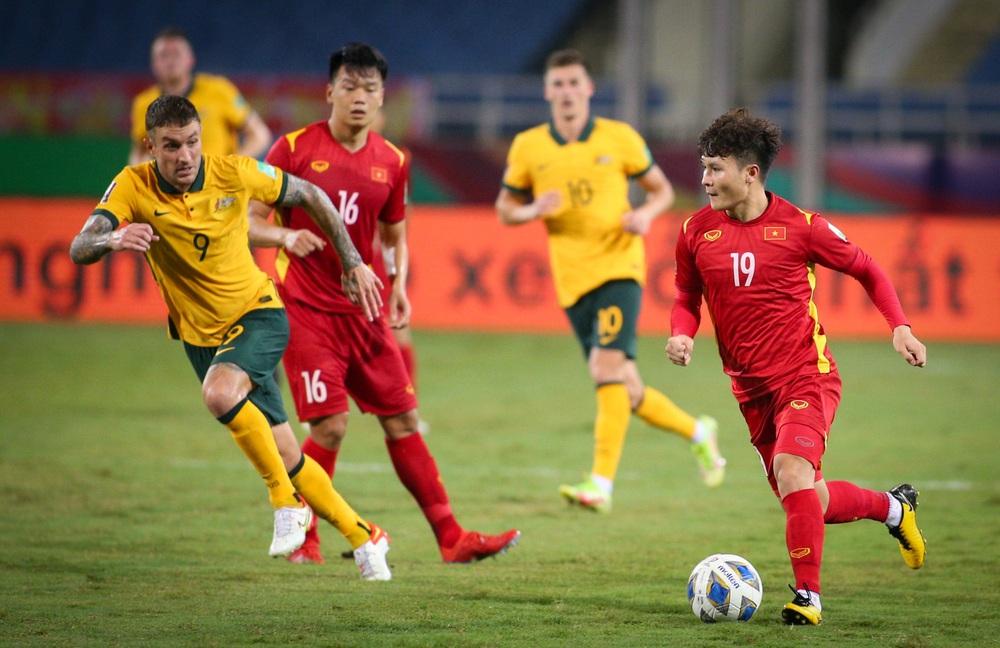 PV Trung Quốc: Nếu thua trận, cả nền bóng đá Trung Quốc sẽ sụp đổ dưới tay tuyển Việt Nam - Ảnh 1.