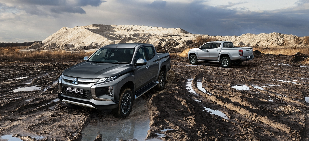 Không tham gia 'cuộc đua' giảm giá, Mitsubishi Triton còn nguyên một thứ 'ăn đứt' huyền thoại bán tải Mỹ Ford Ranger - Ảnh 1.