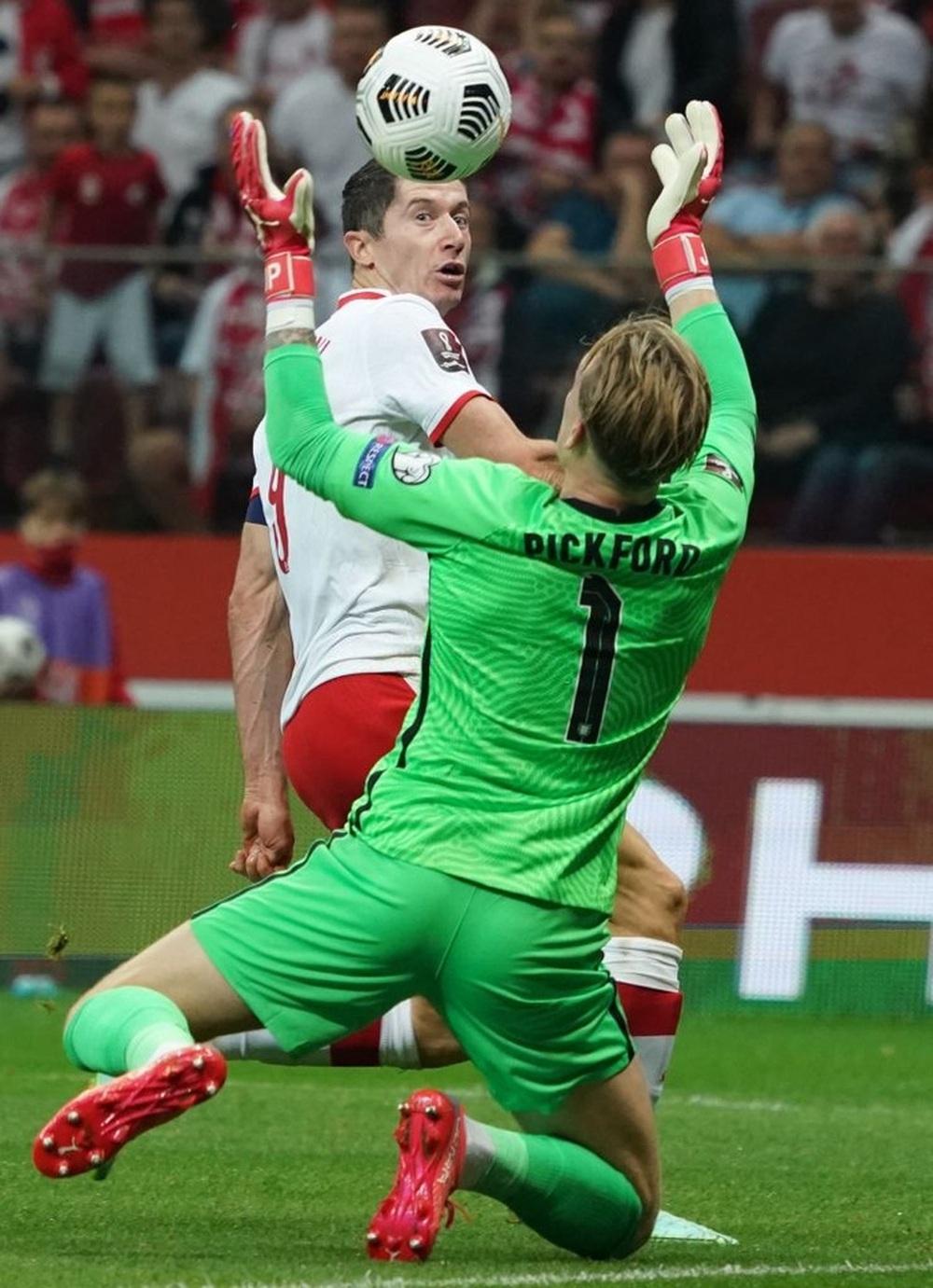 Kane lập siêu phẩm nhưng không thể giúp Tam Sư giành 3 điểm trước Ba Lan - Ảnh 3.