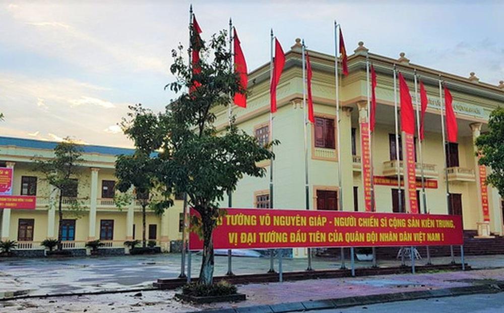 """Quảng Bình: Cho thôi chức Giám đốc Trung tâm văn hóa huyện vì hồ sơ """"có vấn đề"""""""