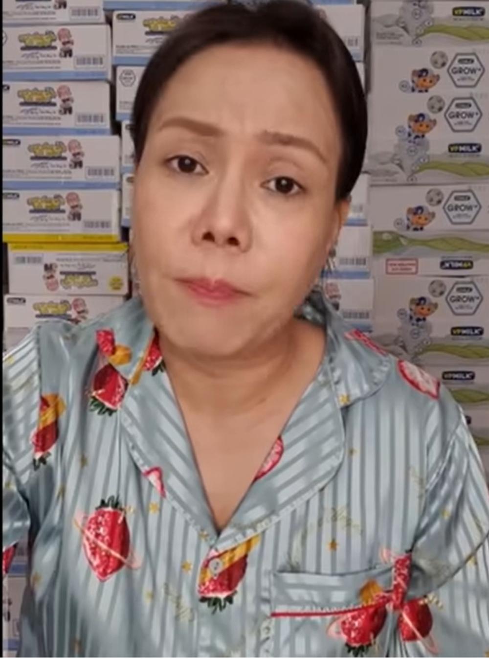 Việt Hương gặp sự cố cho nhầm gạo mốc: Cảm ơn mọi người thương và hiểu cho tôi - Ảnh 1.