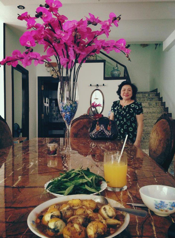 Người mẹ giàu có nhưng giản dị của ca sĩ Ông Cao Thắng - Ảnh 11.