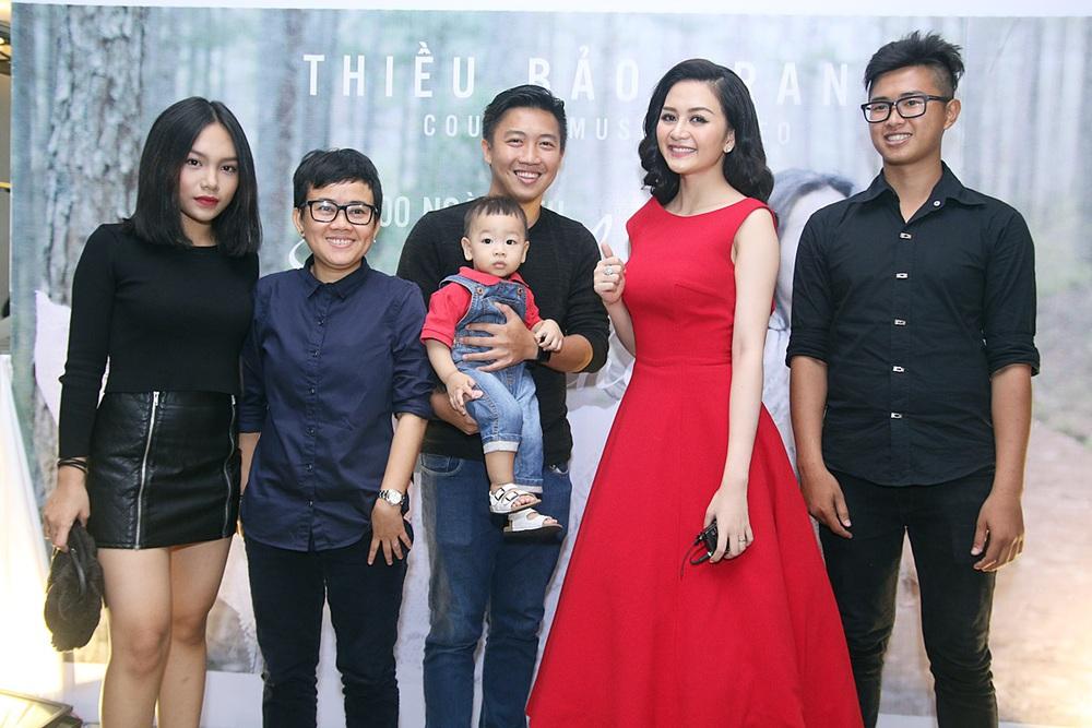 Chị em Phương Linh gợi cảm lấn át Thiều Bảo Trang - Ảnh 3.