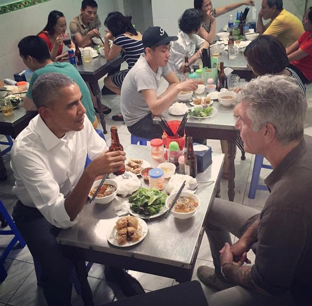 15 hình ảnh thân thiện của Tổng thống Obama ở Việt Nam - Ảnh 5.