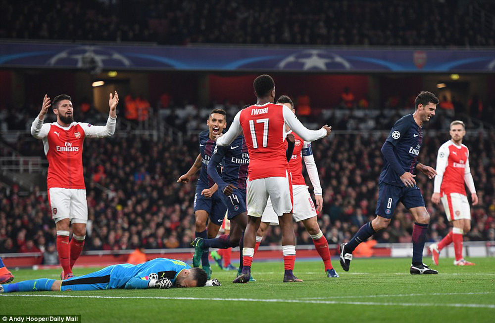 Tự bắn vào chân, Arsenal lại đứng trước nguy cơ lớn tại Champions League - Ảnh 2.