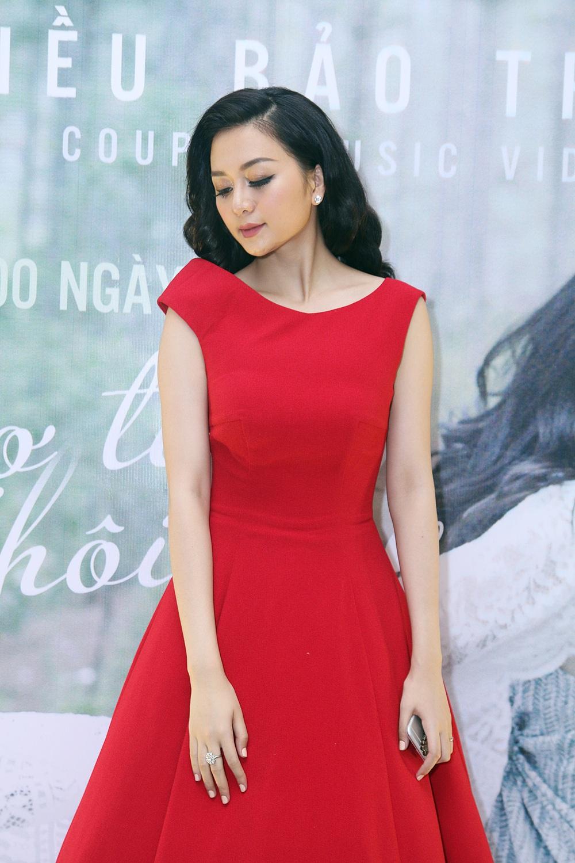 Chị em Phương Linh gợi cảm lấn át Thiều Bảo Trang - Ảnh 2.
