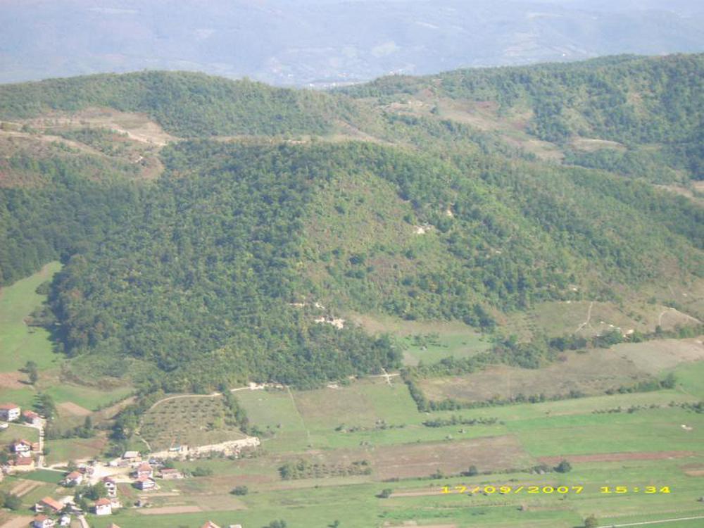 Phát hiện thung lũng kim tự tháp khổng lồ ở Bosnia - Ảnh 3.