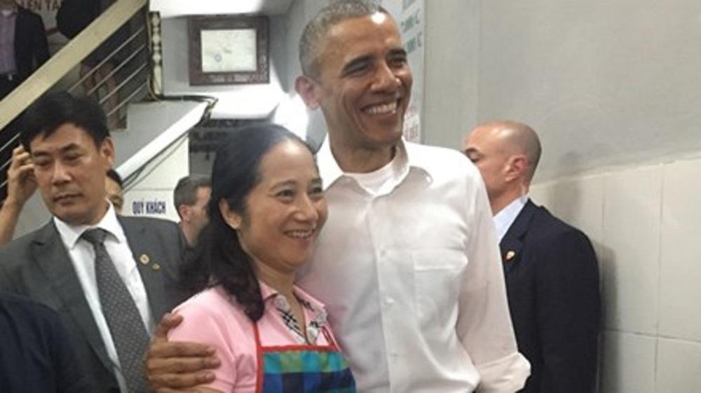 15 hình ảnh thân thiện của Tổng thống Obama ở Việt Nam - Ảnh 4.