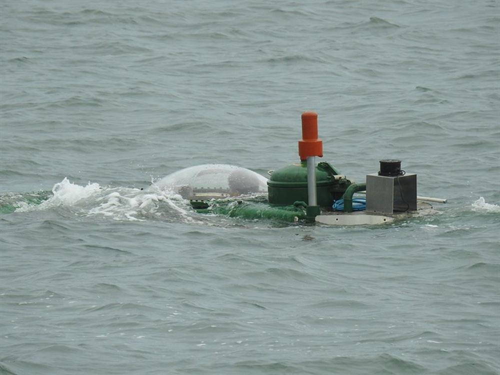 Hình ảnh độc khi tàu ngầm mini Hoàng Sa ra đại dương - Ảnh 3.