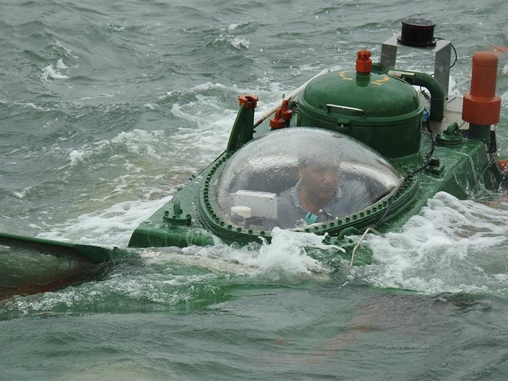 Hình ảnh độc khi tàu ngầm mini Hoàng Sa ra đại dương - Ảnh 4.