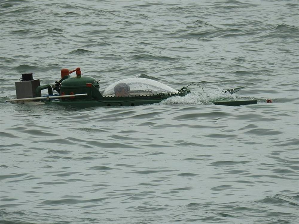 Hình ảnh độc khi tàu ngầm mini Hoàng Sa ra đại dương - Ảnh 10.