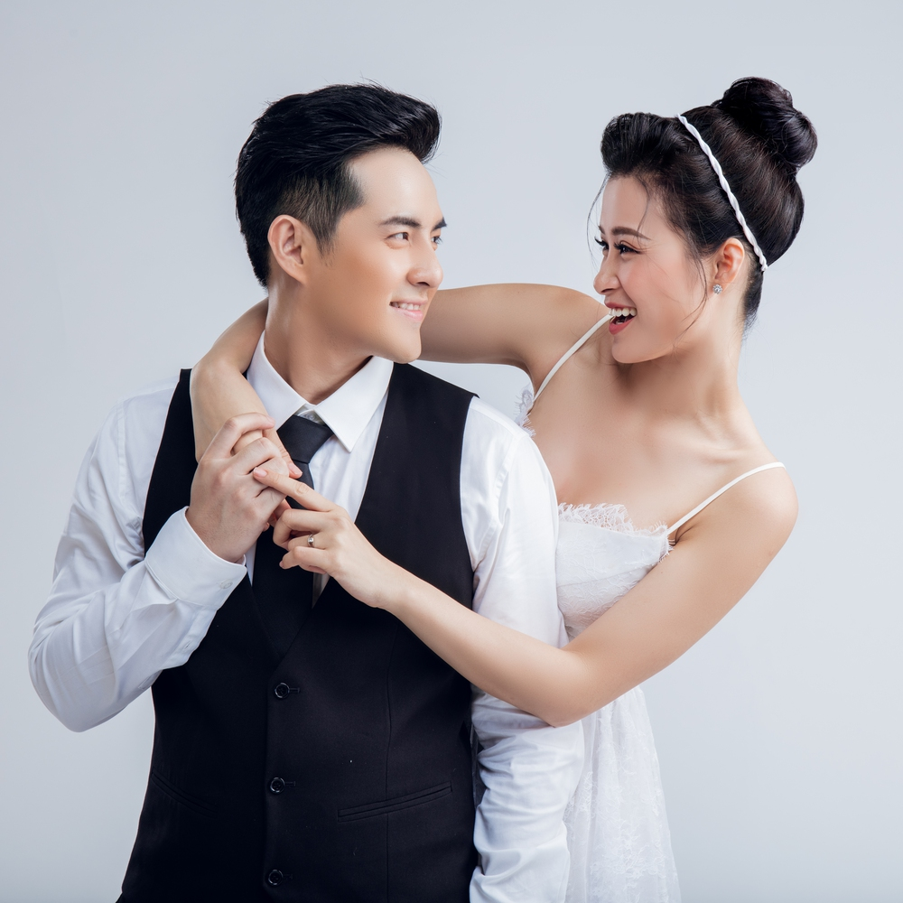 Fan đứng ngồi không yên vì tin đồn kết hôn của Đông Nhi và Ông Cao Thắng - Ảnh 2.