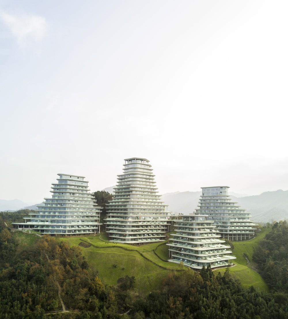Độc đáo kiến trúc của ngôi làng trong núi - Ảnh 5.