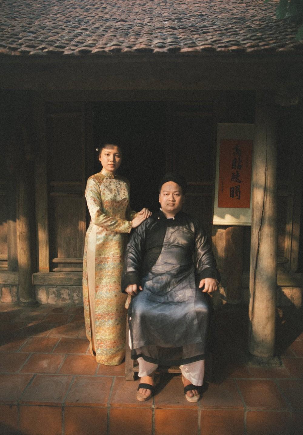 Bộ ảnh 100 năm đám cưới Việt Nam khiến người xem vừa lạ vừa quen - Ảnh 2.