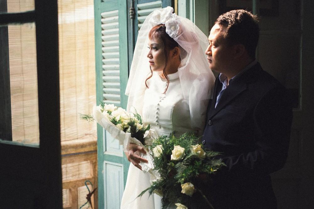 Bộ ảnh 100 năm đám cưới Việt Nam khiến người xem vừa lạ vừa quen - Ảnh 10.