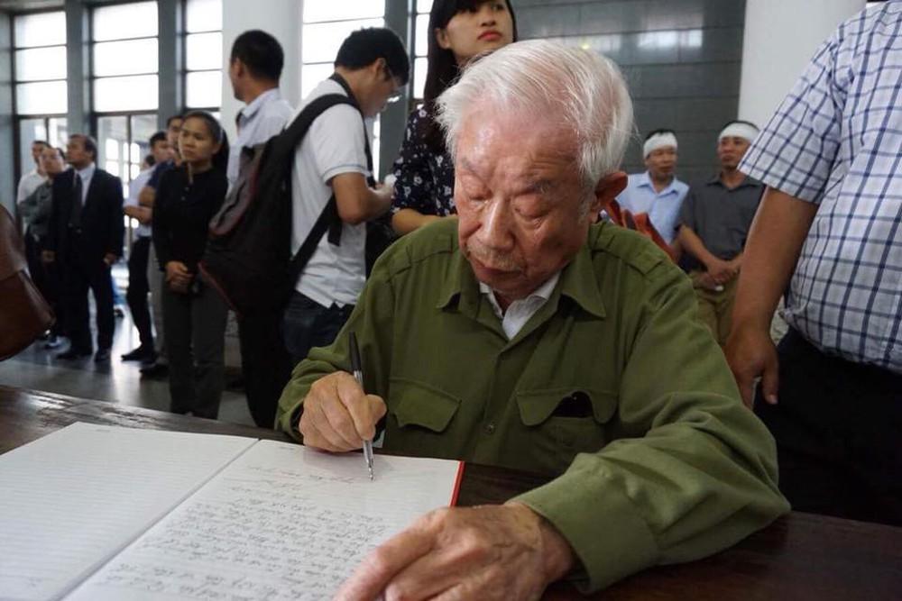 Tang lễ cụ Hoàng Thị Minh Hồ: Trưởng nam công khai di nguyện của cụ bà trước khi mất - Ảnh 10.