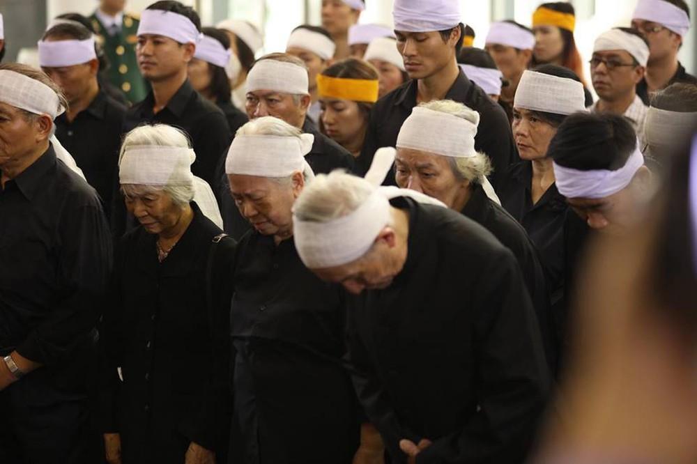 Tang lễ cụ Hoàng Thị Minh Hồ: Trưởng nam công khai di nguyện của cụ bà trước khi mất - Ảnh 23.