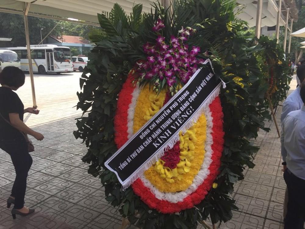 Tang lễ cụ Hoàng Thị Minh Hồ: Trưởng nam công khai di nguyện của cụ bà trước khi mất - Ảnh 13.