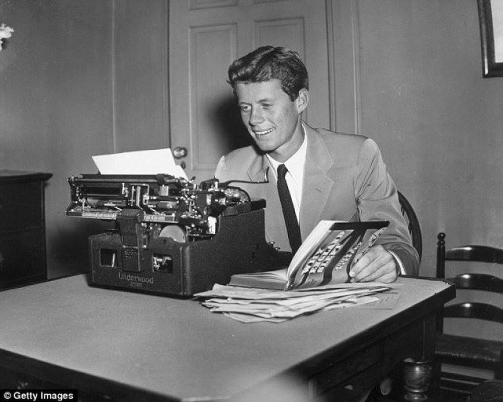Tổng thống Mỹ Kennedy là fan của Hitler? - Ảnh 2.