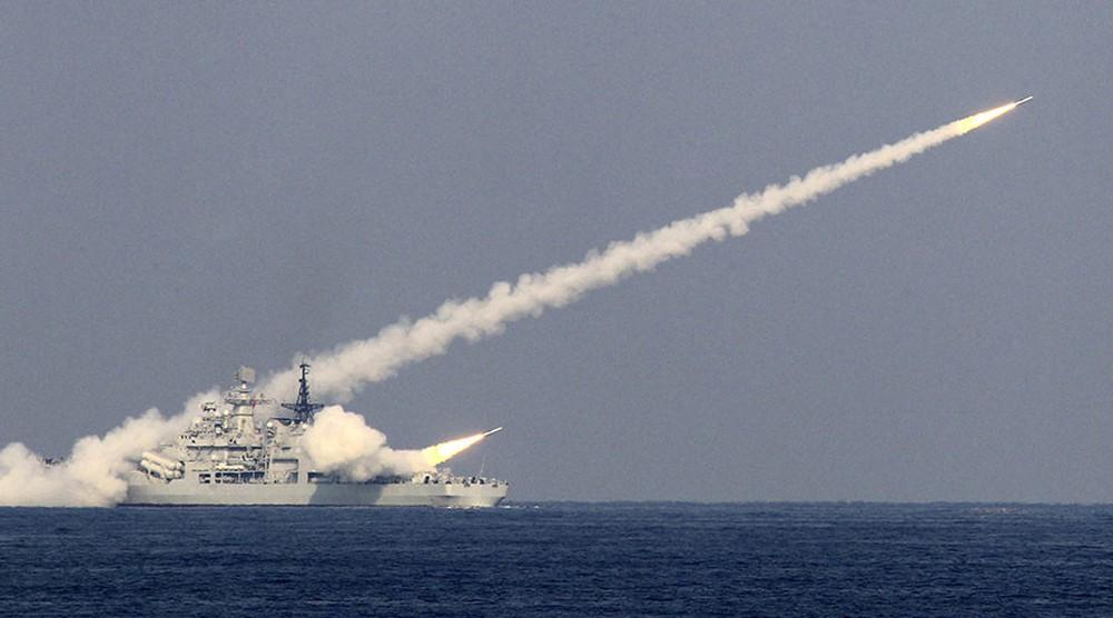 Vì sao Trung Quốc thử tên lửa mới gần bán đảo Triều Tiên? - Ảnh 1.