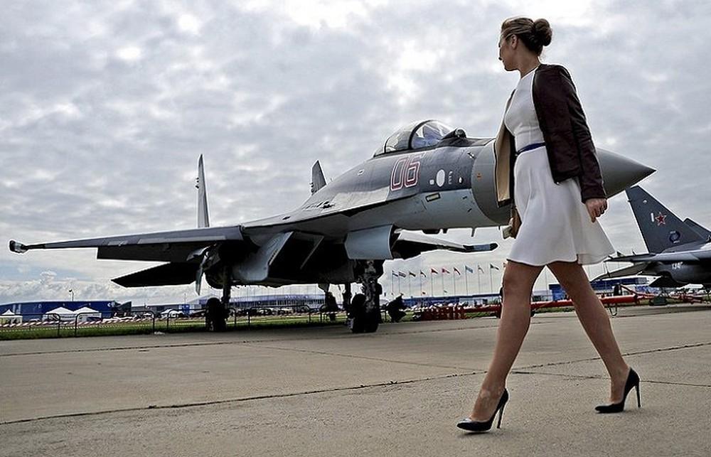Nga lần đầu huấn luyện nữ phi công quân sự - Ảnh 1.