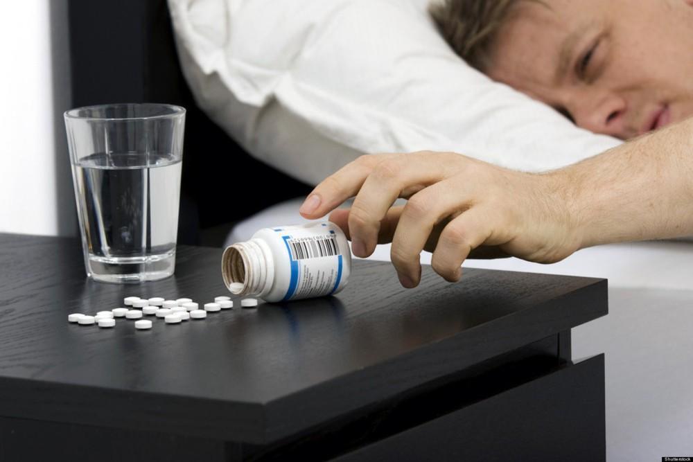 Lạm dụng thuốc ngủ, thuốc an thần khiến giấc ngủ tự nhiên ngày càng rời xa bạn - Ảnh 2.
