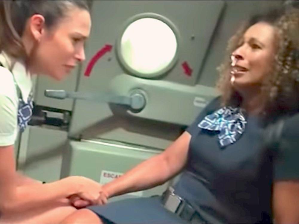 """1001 chuyện """"dở khóc dở cười"""" trên máy bay được chính tiếp viên hàng không tiết lộ - Ảnh 3."""