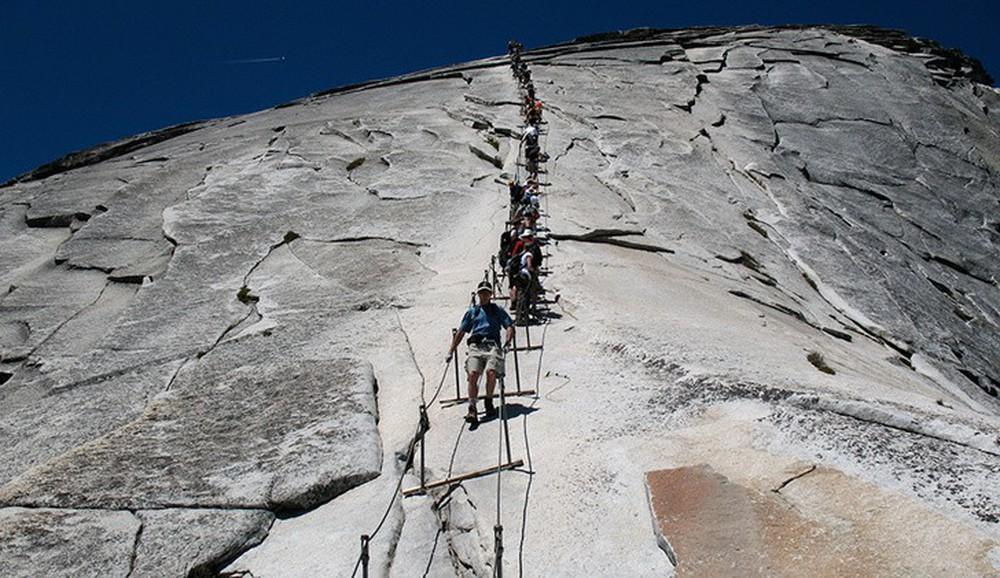 16 cầu thang đáng sợ nhất trên thế giới mà ai nhìn thấy cũng phải bủn rủn chân tay - Ảnh 17.