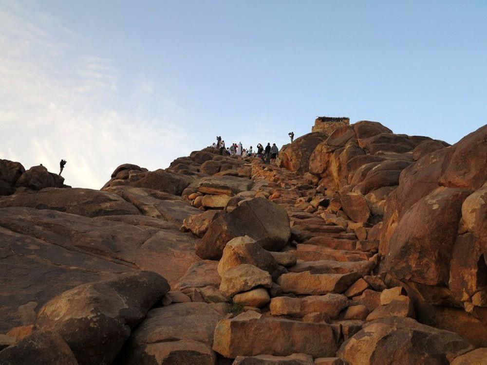 16 cầu thang đáng sợ nhất trên thế giới mà ai nhìn thấy cũng phải bủn rủn chân tay - Ảnh 5.