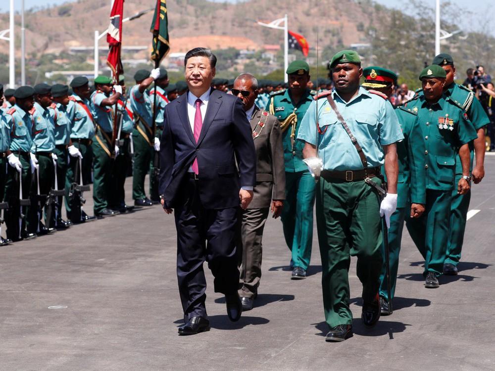 Ông Tập Cận Bình thăm nước chủ nhà APEC 2018: Một hành động bất thường đã xảy ra - Ảnh 2.