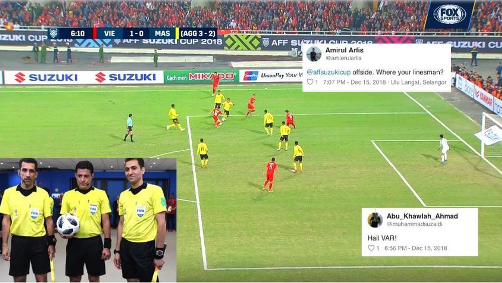 CĐV Malaysia nổi điên với trọng tài, cho rằng Việt Nam ghi bàn trong thế việt vị - Ảnh 2.