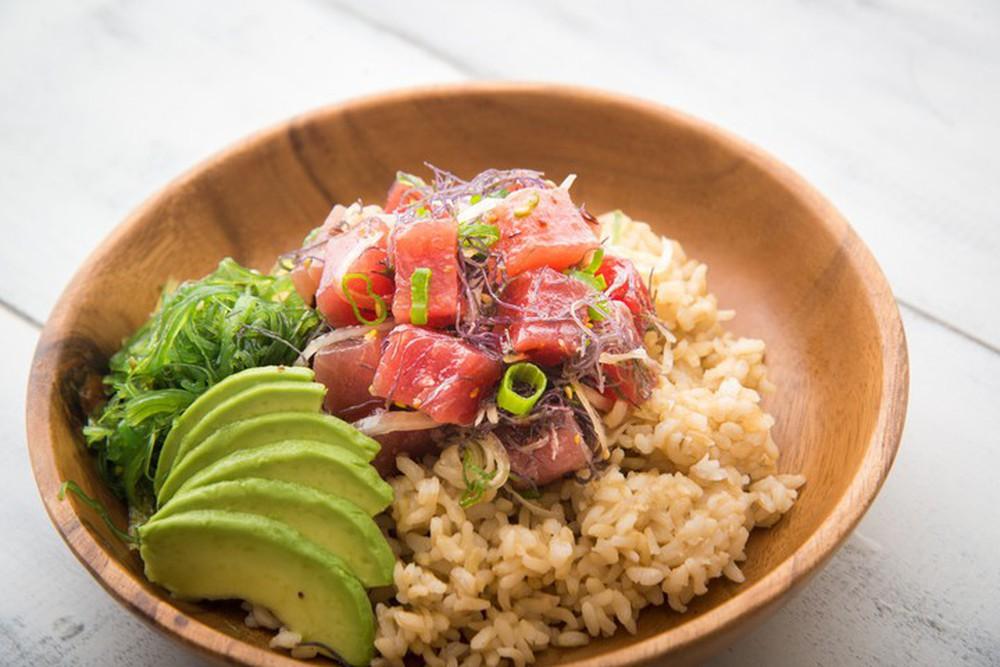 Poke: Kết quả mối tình hơi ngang trái của ẩm thực Mỹ và Nhật, lai lai giữa salad và sushi - Ảnh 3.