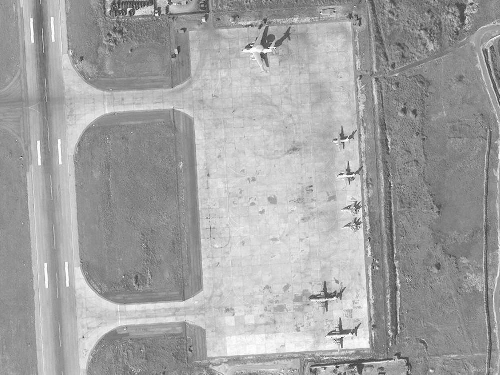 Su-35 Nga bảo vệ máy bay vận tải hạng nặng lập cầu hàng không: Vũ khí ùn ùn đổ vào Syria? - Ảnh 3.