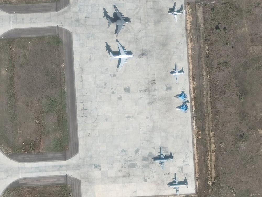 Su-35 Nga bảo vệ máy bay vận tải hạng nặng lập cầu hàng không: Vũ khí ùn ùn đổ vào Syria? - Ảnh 6.
