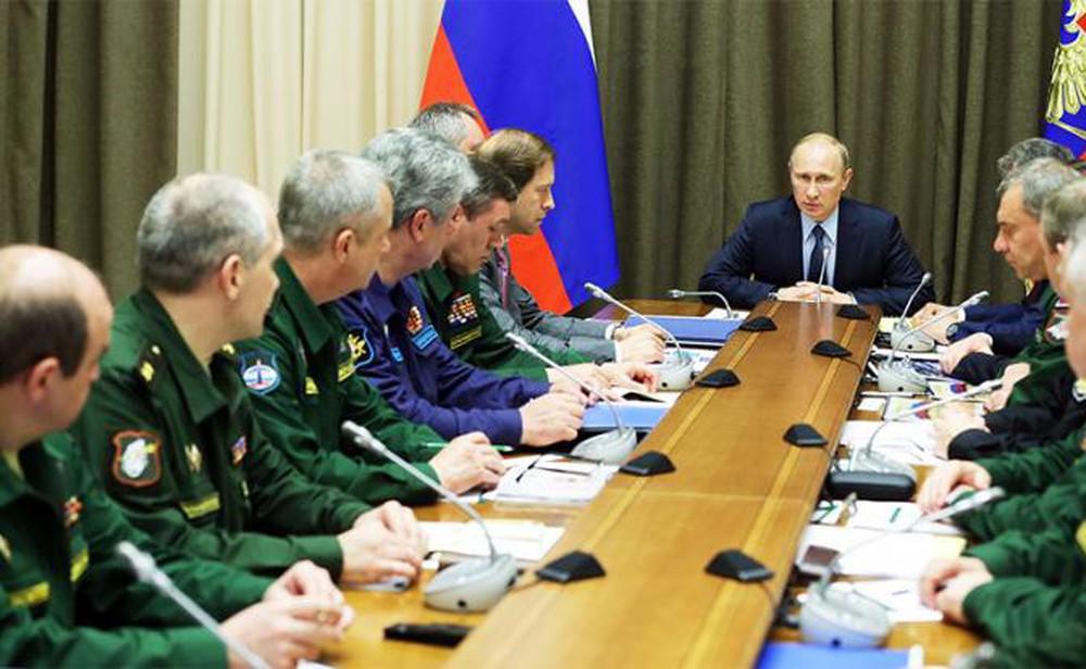 Xe tăng Armata, tên lửa Yars và tiêm kích Su-57 đã mắc kẹt trong nhà máy: TT Putin ra tay - Ảnh 2.