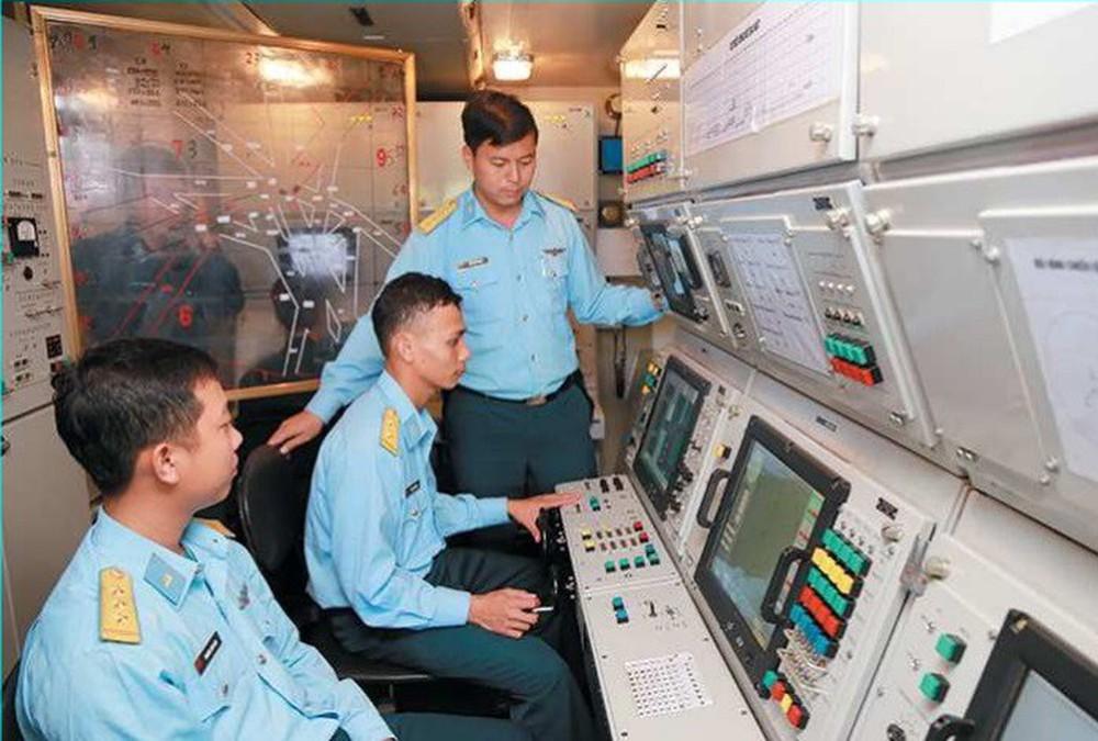 Đưa tên lửa SPYDER vào trực chiến cùng S-300PMU1: Lưới lửa liên hoàn, hiểm hóc ở Hà Nội - Ảnh 1.