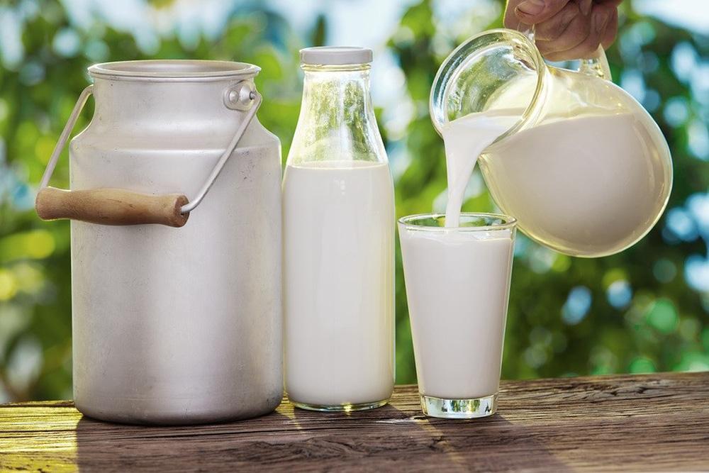 Sữa bò có thực sự là nguyên nhân gây ung thư? Đừng nghe lời đồn, hãy nghe chuyên gia nói - Ảnh 1.
