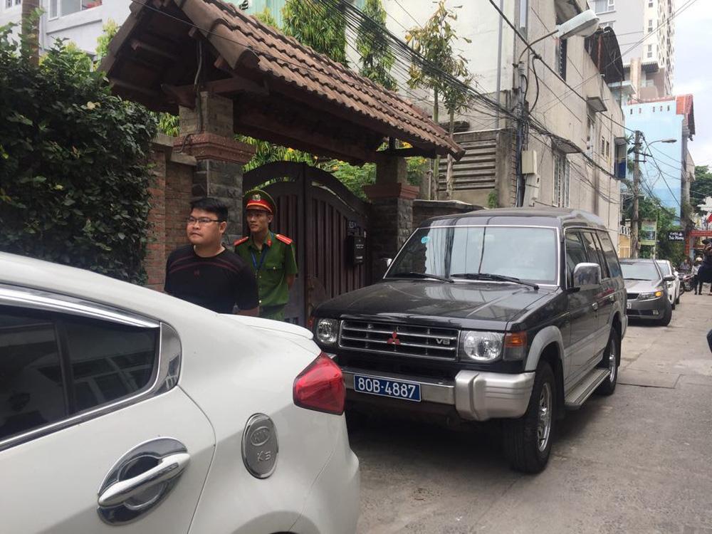 Công an khám xét nhà cựu Chủ tịch Đà Nẵng Trần Văn Minh trong 5 giờ - Ảnh 7.