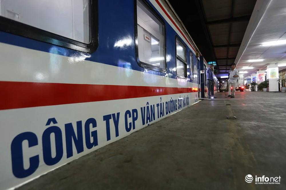 Cận cảnh toa tàu thế hệ 3 chất lượng cao vừa được ngành đường sắt đưa vào hoạt động - Ảnh 1.