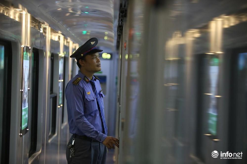 Cận cảnh toa tàu thế hệ 3 chất lượng cao vừa được ngành đường sắt đưa vào hoạt động - Ảnh 6.