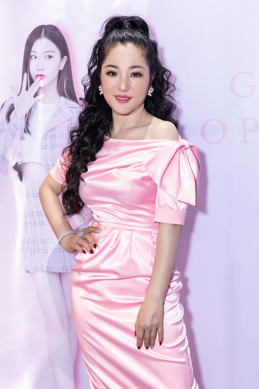 Diễn viên hài Thúy Nga đọ sắc với Hoa hậu Mỹ Vân - Ảnh 3.