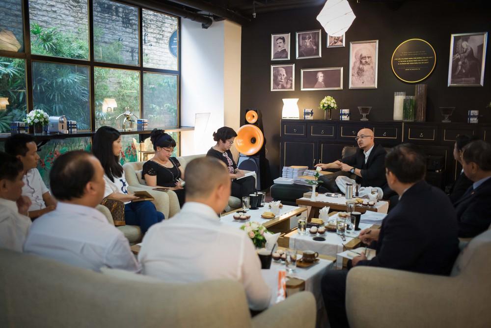 4 giờ cà phê với ông Đặng Lê Nguyên Vũ: Cuộc trò chuyện đầy những bất ngờ - Ảnh 1.