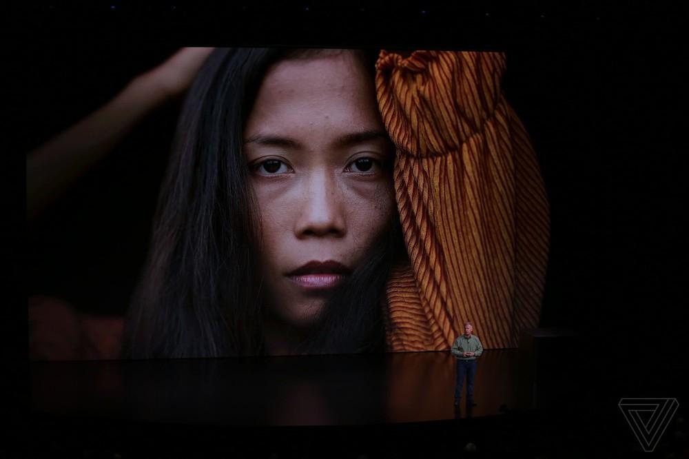 Gương mặt cô gái tóc vàng vụt sáng trong sự kiện Apple ra mắt iPhone 2018 - Ảnh 5.