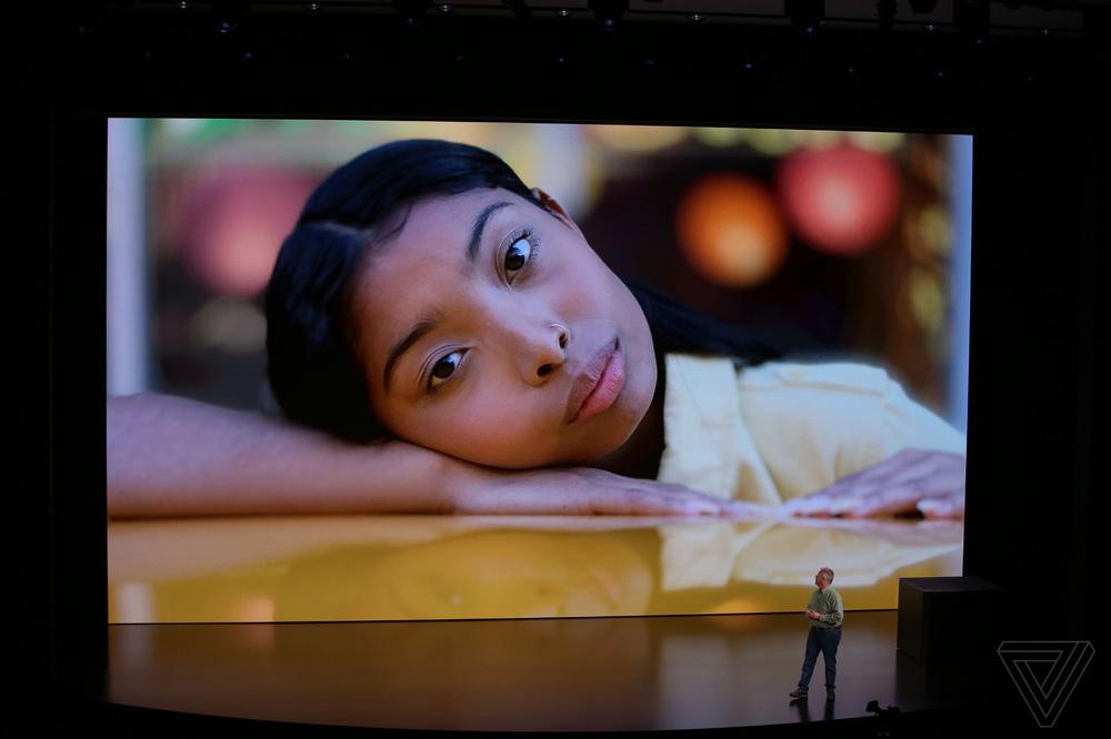 Gương mặt cô gái tóc vàng vụt sáng trong sự kiện Apple ra mắt iPhone 2018 - Ảnh 4.