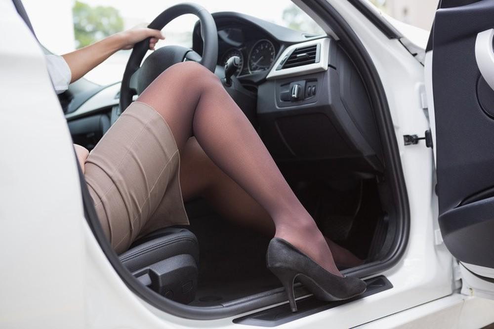 8 việc không nên làm khi đặt chân lên xe ô tô: Điều thứ 3 các bà vợ hay mắc nhất! - Ảnh 3.