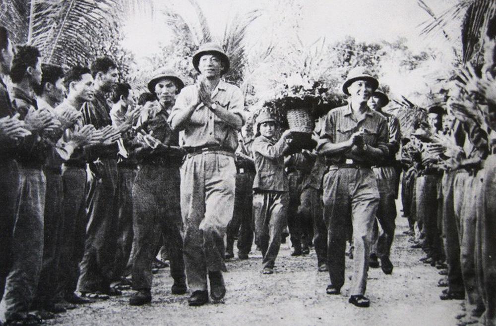 Tiến công trong hành tiến - Thần tốc giải phóng Phnom Pênh: Khmer Đỏ không kịp trở tay - Ảnh 1.