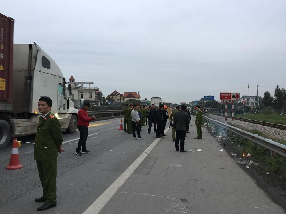 Trước khi gây tai nạn khiến 8 người tử vong, xe tải chạy với tốc độ bao nhiêu km? - Ảnh 1.